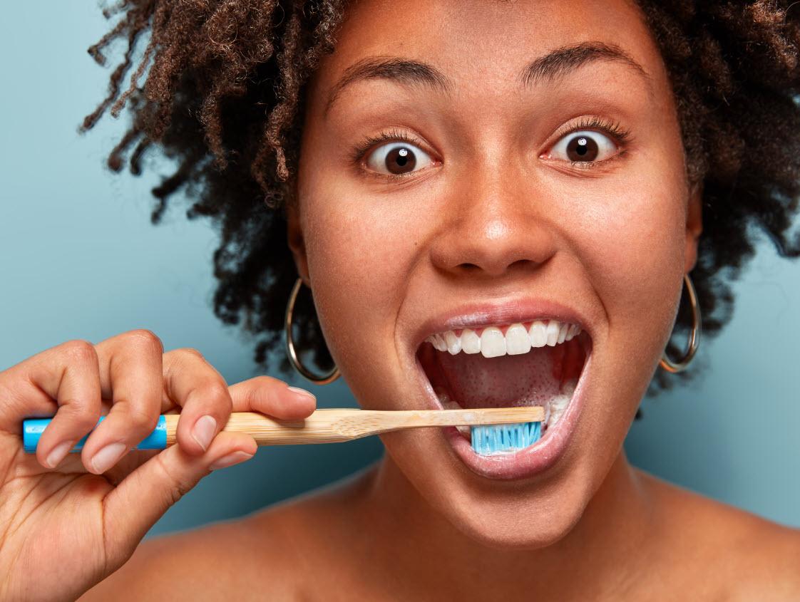 Diş Eti Hizası Çürüğü Önlemek İçin Neler Yapılabilir